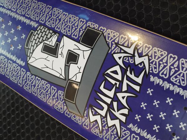 SUICIDAL SKATES DOG TOWN SUICIDAL TENDENCIES スケートボード デッキ 通販 スケボー 板